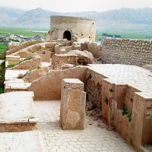 THE ANCIENT CITY OF HARIREH ON THE PARADISE ISLAND OF KISH