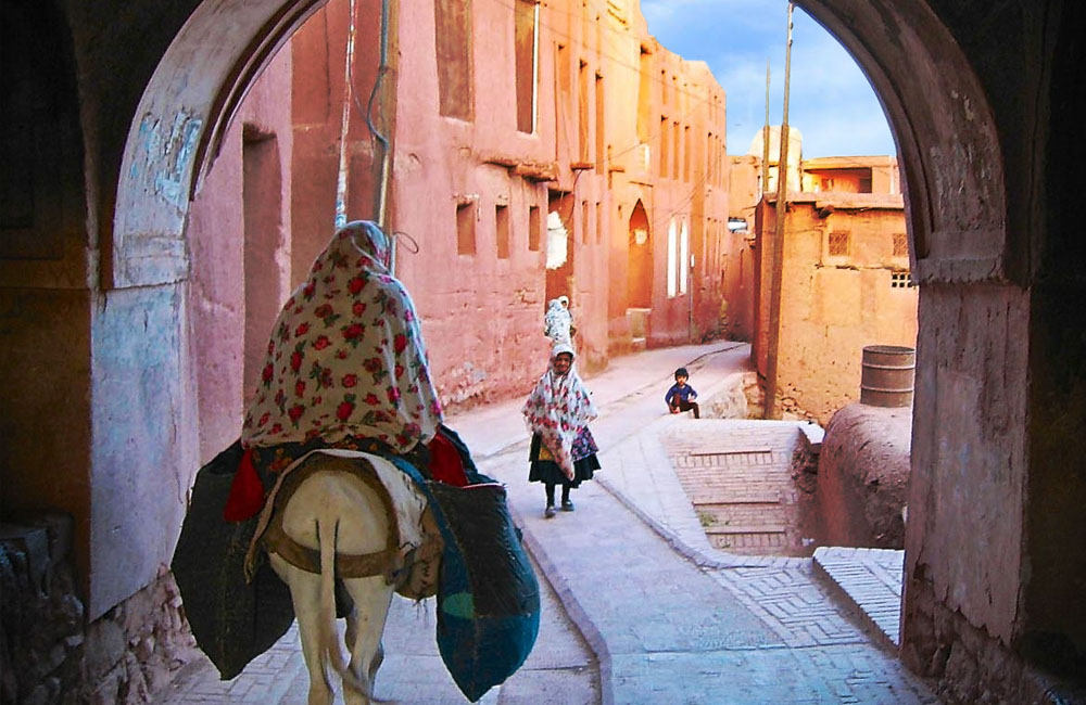 Top tourist attractions in Iran: ABYANEH VILLAGE